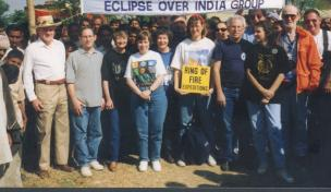 1995 Total solar eclipse group Pinahat, India